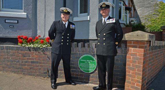 Lieutenant Commander Rod Grant and Warrant Officer Sean Jones HMS Sherwood 2