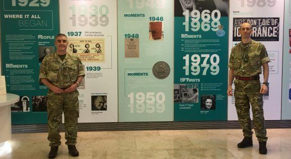 Photo of Major Darren Knight in uniform