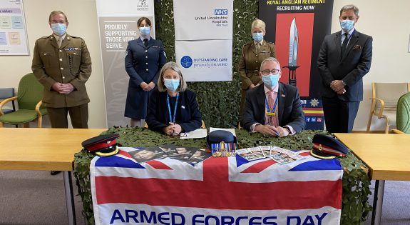 Representatives of United Lincolnshire Hospitals NHS Trust re-sign the Armed Forces Covenant